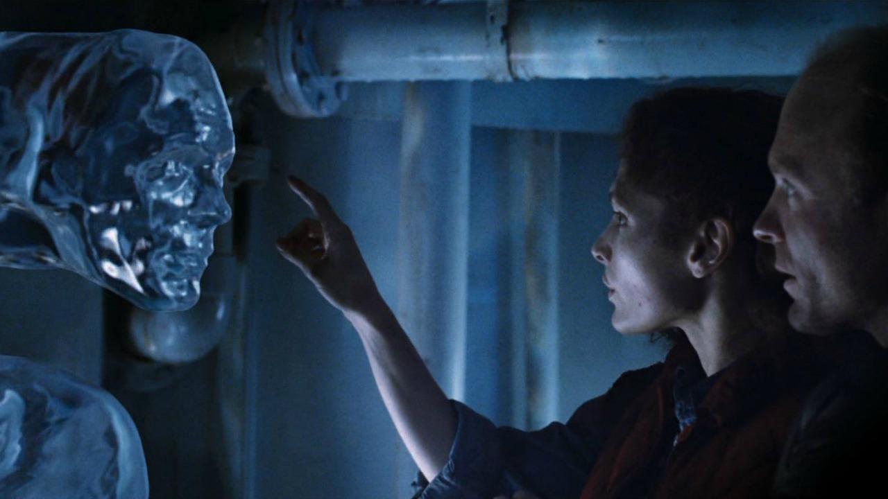 Abyss中外星人控制海水,就是T1000製作的前身